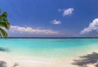 Fototapeta Beach panorama at Maldives 102390473